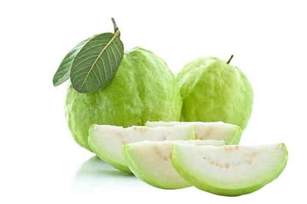 Khi ăn nhiều ổi mẹ bầu rất dễ bị táo bón.