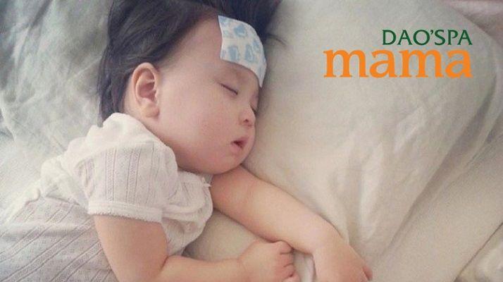 Miếng dán hạ sốt thường được sử dụng cho trẻ sinh vì tính tiện dụng