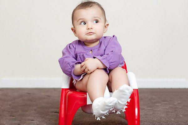 Táo bón ở trẻ ăn dặm là tình trạng phổ biến.