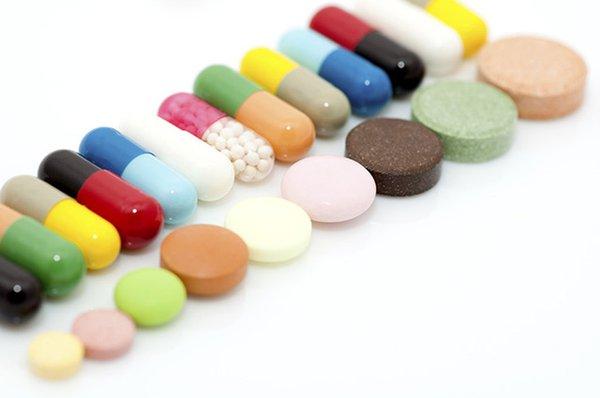 Chích apxe kết hợp với dùng kháng sinh toàn thân.