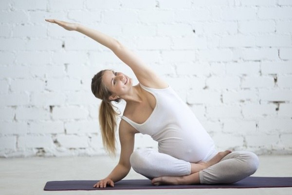 Tập Yoga là một liệu pháp tốt để giảm bớt ốm nghén.