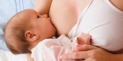 Những lưu ý cho con bú khi mẹ bị bệnh