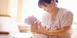 Cách tắm gội chuẩn khoa học sau sinh giúp mẹ phòng tránh hậu sản
